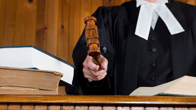 mooting - judge