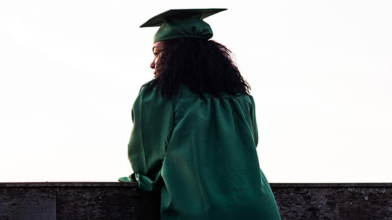 Evess Graduations.Live - Green Gown